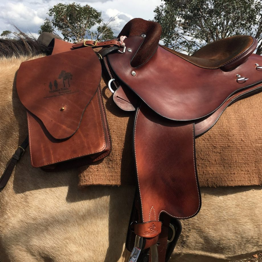 Double Trail Riding Neck Bags, Leather 1
